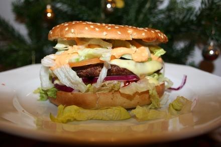 Domowy cheeseburger